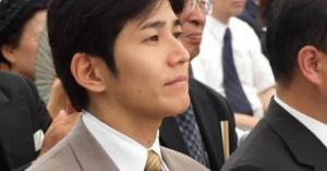 朝日新聞、中野区長選に出馬予定の吉田康一郎氏を匿名、他の区長候補予定者は実名で紹介