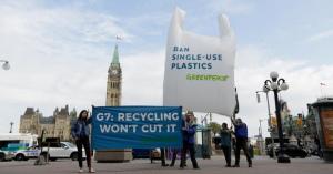 日本とアメリカG7でプラスチックごみ対策合意文書の署名を拒否