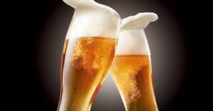 アルコール摂取時のNG行動や摂取のリスクまとめ!医大生が解説