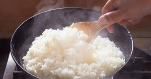 【停電時に役立つ!】カセットコンロで炊くごはん|フライパンひとつで作れる主食