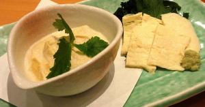 精進料理でも重宝される豆乳から作られる湯葉(ゆば)