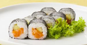 近年人気の変わった寿司「揚げ寿司」