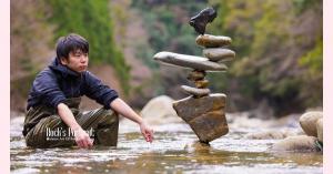ロックバランシング!森へ行きたくなる石のアートと日本のアーティストをご紹介します!