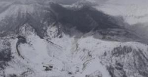 【速報・草津白根山噴火】自衛隊員を襲った噴石や雪崩の映像がヤバすぎる件!!