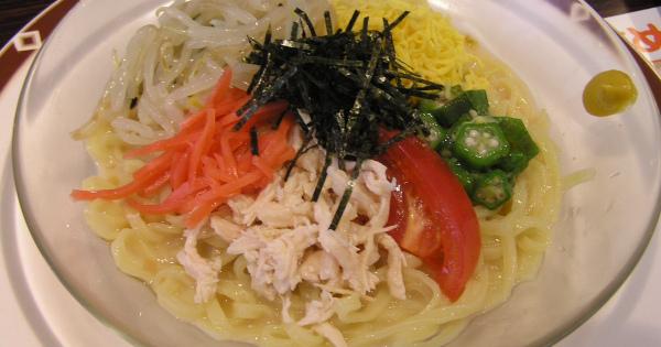 暑い季節においしい麺料理の冷やし中華