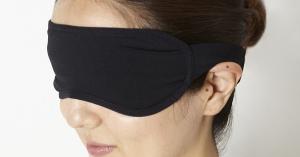 アイマスクの影響は睡眠だけじゃない疲れ目美容に見込み!