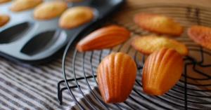 簡単に作れる♪みんなに愛されるフランスの焼き菓子【マドレーヌ】レシピ♡