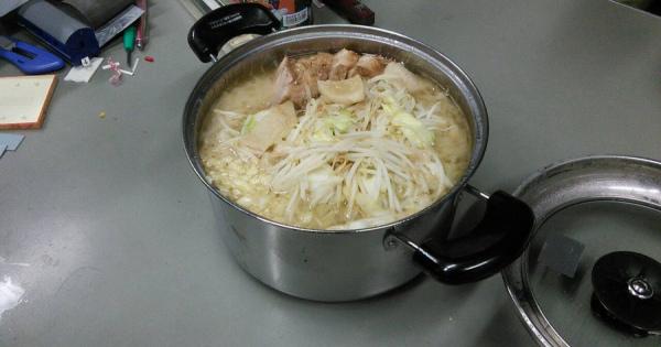 鍋二郎なら家屋でラーメン二郎が食べられる!可能なショップや注文メソッドは?