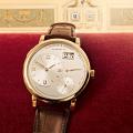 二重窓と特大の数字。ランゲ&ゾーネコピーの新作「グランドランゲ1」と5分デジタル時計