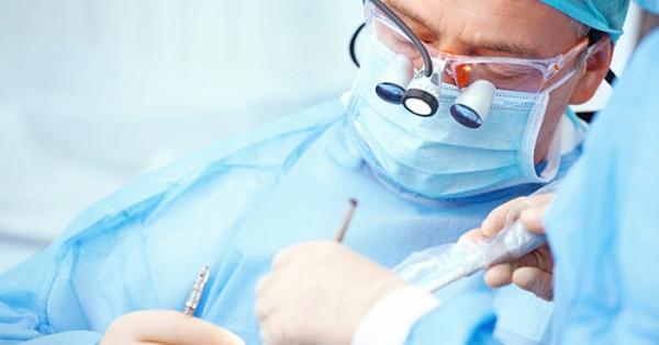 歯科インプラント修復