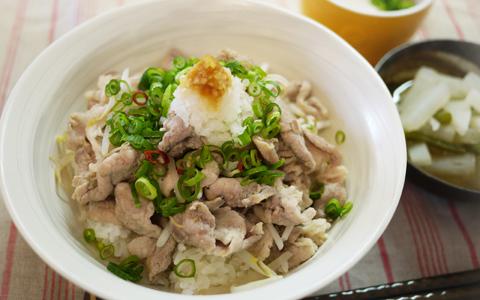節約レシピ! ステーキ風味の簡単豚こま丼