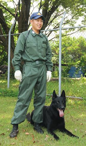 ■お国を守ります、警備犬