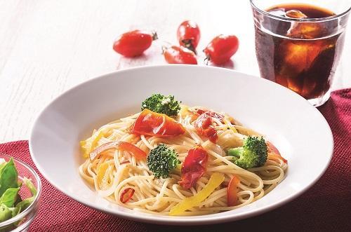 タリーズコーヒー「セミドライトマトと野菜のペペロンチーノ」を7月13日(金)より発売