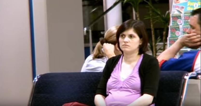 父親の婚約者を待つ一人娘アンナ