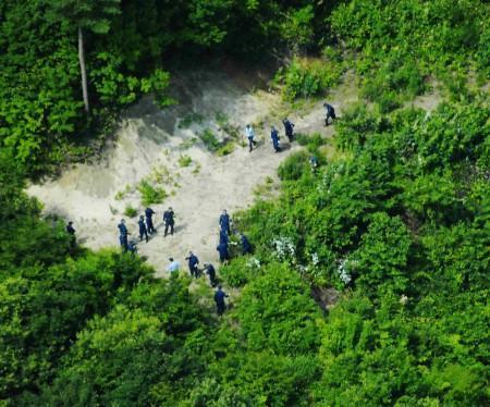 紀子さんの遺体が見つかった山林