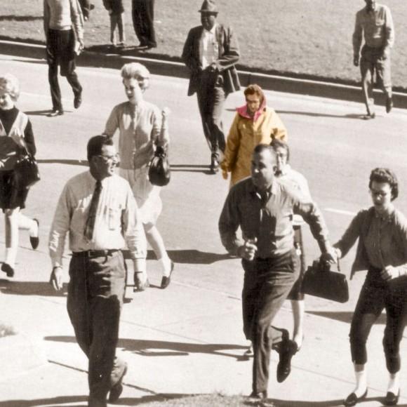 JFK暗殺の証拠を握るバフーシュカ・レディ