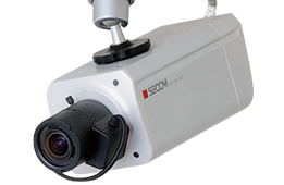 「カメラ付きインターホン」、「防犯カメラ」、「人感センサーライト」などはどこでも手に入り空き巣対策には一定の効果はあります。