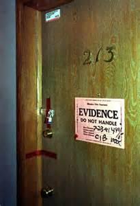 オックスフォード・アパートメント213号室
