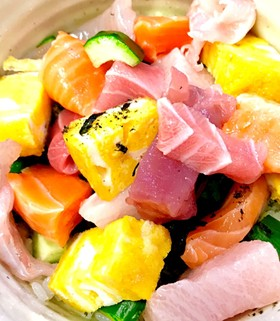 コロコロ刺身の海鮮丼