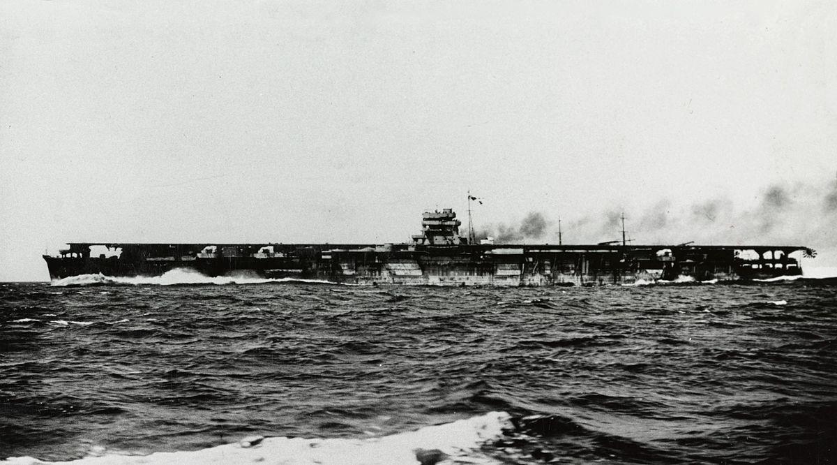 ミッドウェー海戦にて主力空母4隻を失う