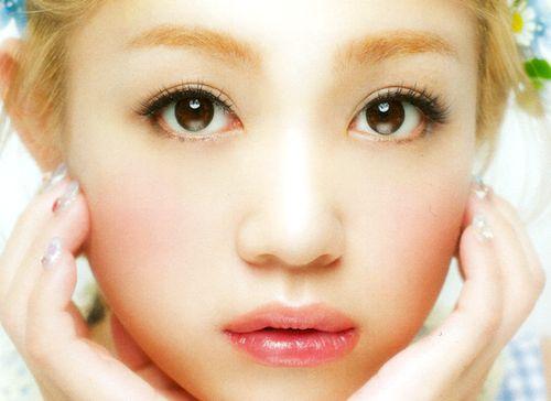 西野カナさんの眉