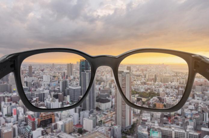 偏光レンズに透明なものはある?