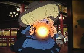 湯婆婆がカオナシに向かってエネルギー弾の様な物を放つシーン