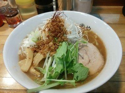 和だし醤油らー麺