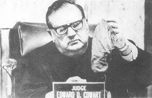 エドワード・D・カワード判事