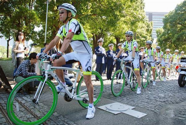「自転車安全利用指導啓発隊」、通称「BEEMS」