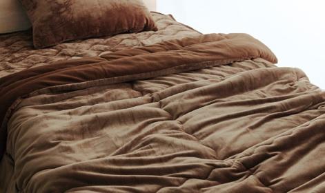 ブラウンやグレージュな毛布