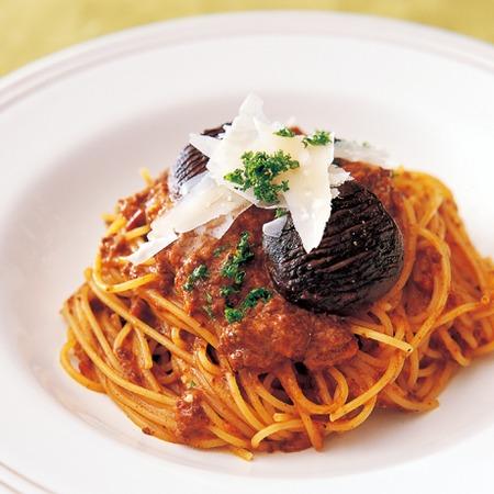 焼きしいたけとミートソースのスパゲッティ