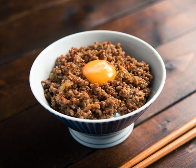 元気が出るスタミナ料理!「コクうま肉味噌丼」
