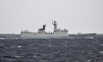 沖縄・尖閣諸島 中国艦、接続水域に潜水艦も 日本政府が抗議