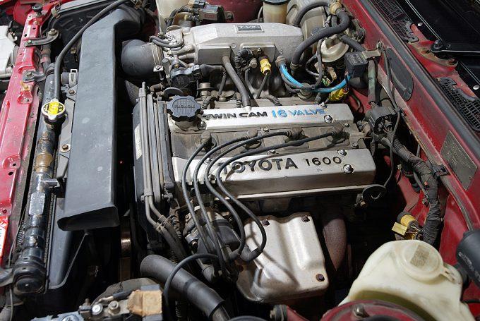 【旧車ブームの代表格】トヨタ・カローラレビン/スプリンタートレノ(AE86)