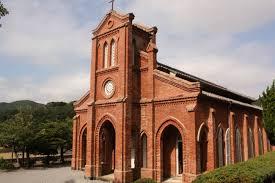 美しい教会も見られる。