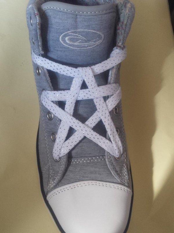 靴紐結び方おしゃれ コンバース